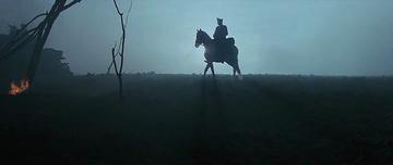 3. Германец на белой лошади едет на лево